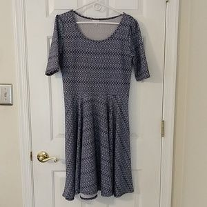 LuLaRoe Nicole dress L large blue white zigzag